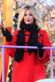 Ashley Tisdale at 2018 Macy's Thanksgiving Day Parade in New York 2018/11/22 8