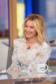 Ashley Tisdale at Good Morning America 2018/11/12 4