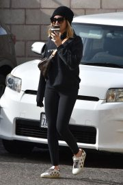 Ashley Tisdale Out in Los Angeles 2018/11/27 6