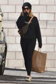 Ashley Tisdale Out in Los Angeles 2018/11/27 12