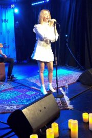 Ashley Tisdale Performs at 2018 Holton's Heroes Benefit Concert in Los Angeles 2018/11/16 1
