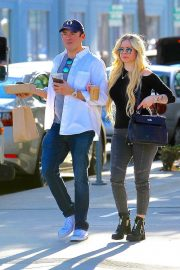 Avril Lavigne Out and About in Beverly Hills 2018/11/06 4