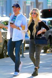 Avril Lavigne Out and About in Beverly Hills 2018/11/06 5