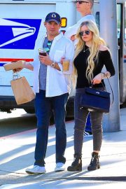 Avril Lavigne Out and About in Beverly Hills 2018/11/06 6