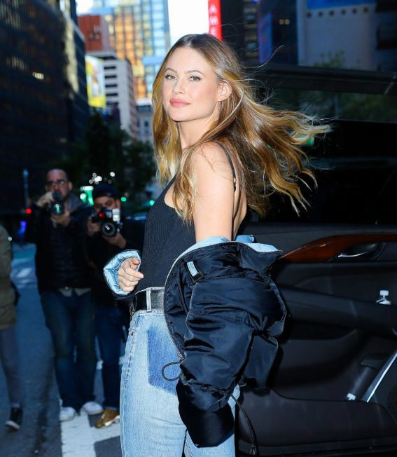 Behati Prinsloo Arrives at Victoria's Secret Headquarters in New York 2018/10/31 1