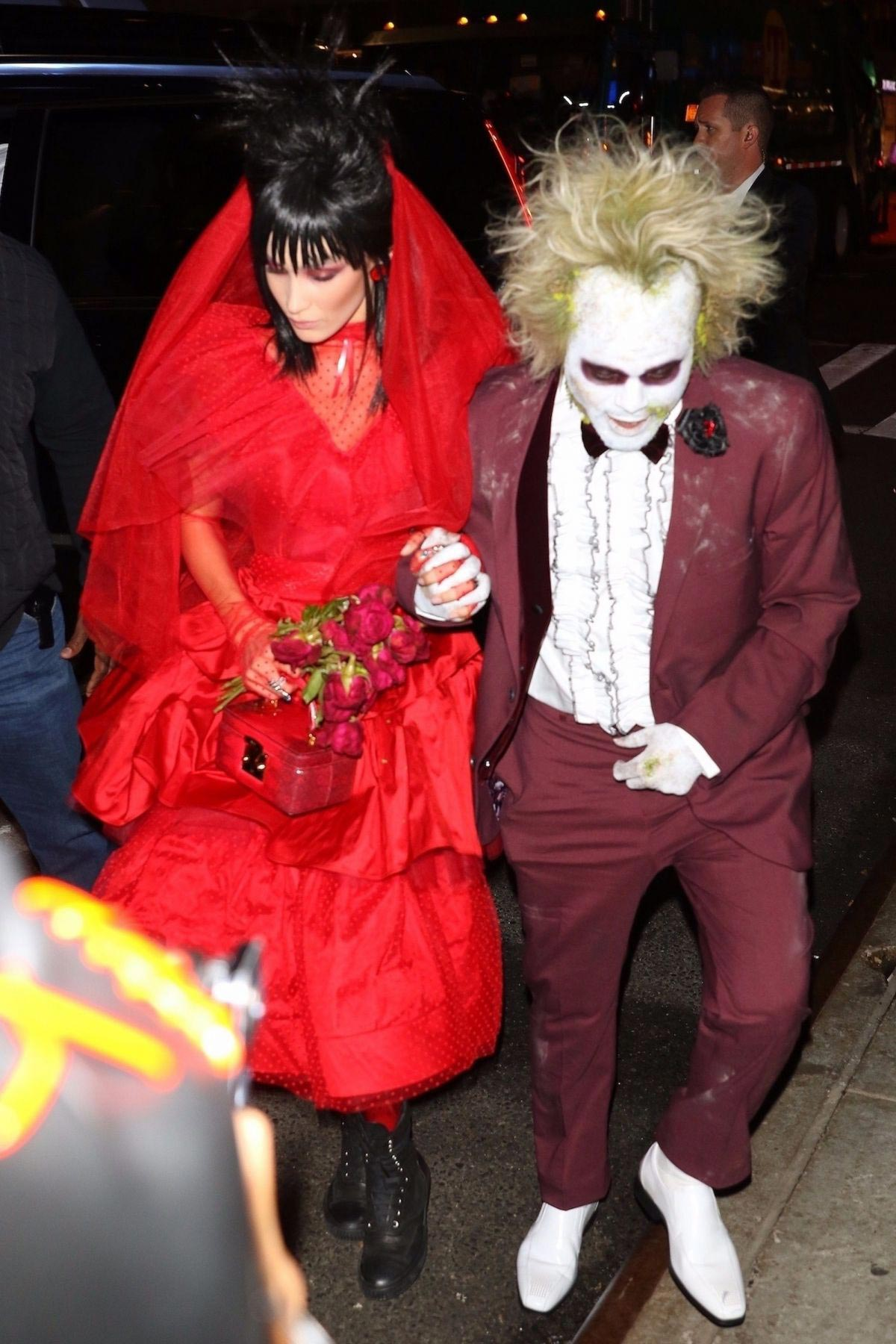 Bella Hadid and The Weeknd at Heidi Klum's Halloween Party in New York 2018/10/31 1