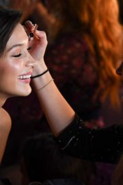 Bella Hadid on the Backstage of Victoria's Secret Fashion Show in New York 2018/11/08 4