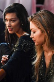Bella Hadid on the Backstage of Victoria's Secret Fashion Show in New York 2018/11/08 5