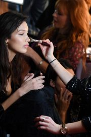 Bella Hadid on the Backstage of Victoria's Secret Fashion Show in New York 2018/11/08 6