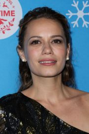 Bethany Joy Lenz at Gingerbread House Experience in Los Angeles 2018/11/14 2