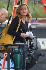 Brie Larson on the Set of Captain Marvel in Los Angeles 2018/11/19 7