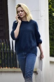 Carey Mulligan Out and About in London 2018/11/15 3