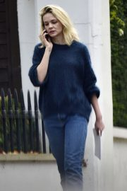 Carey Mulligan Out and About in London 2018/11/15 5