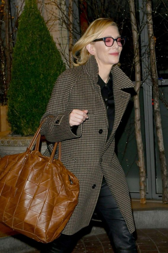 Cate Blanchett Leave Soho Hotel in London 2018/11/22 1