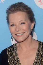 Cheryl Ladd at Gingerbread House Experience in Los Angeles 2018/11/14 1