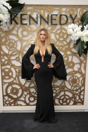 Cheyenne Tozzi at Flemington Racecourse Derby Day in Melbourne 2018/11/03 3