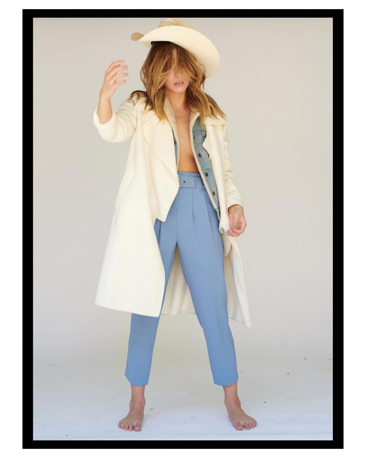 Chloe Bennet on the Set of a Photoshoot, October 2018 1