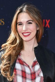 Christy Carlson Romano at The Christmas Chronicles Premiere in Los Angeles 2018/11/18 3