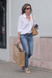 Cindy Crawford Shopping at American Rag Cie in Los Angeles 2018/11/16 4