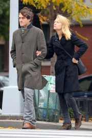 Claire Danes and Hugh Dancy Out Shopping in New York 2018/11/09 4