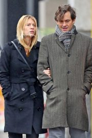 Claire Danes and Hugh Dancy Out Shopping in New York 2018/11/09 5