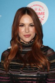 Danneel Harris at Gingerbread House Experience in Los Angeles 2018/11/14 2