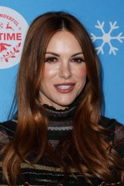 Danneel Harris at Gingerbread House Experience in Los Angeles 2018/11/14 3