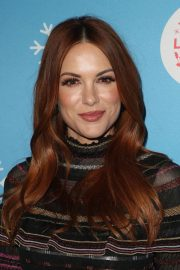 Danneel Harris at Gingerbread House Experience in Los Angeles 2018/11/14 7