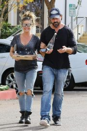Denise Richards Out for Pizza in Calabasas 2018/11/27 2