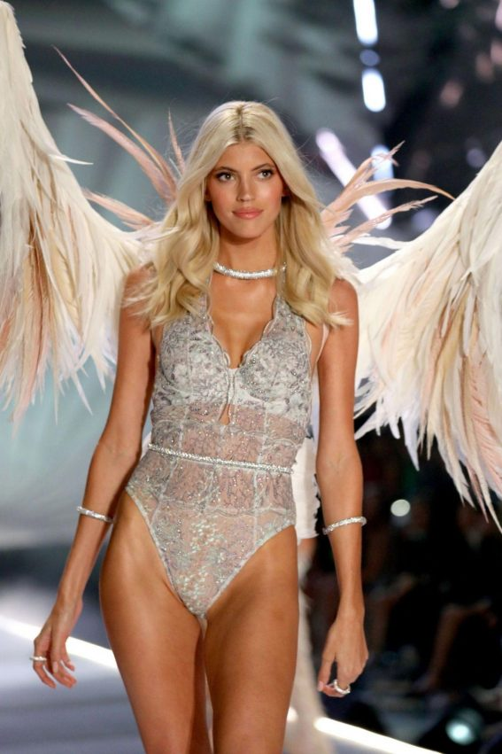 Devon Windsor at Victoria's Secret 2018 Fashion Show in New York 2018/11/08 1