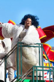 Diana Ross at 2018 Macy's Thanksgiving Day Parade in New York 2018/11/22 4