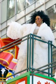 Diana Ross at 2018 Macy's Thanksgiving Day Parade in New York 2018/11/22 5