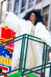 Diana Ross at 2018 Macy's Thanksgiving Day Parade in New York 2018/11/22 6