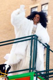 Diana Ross at 2018 Macy's Thanksgiving Day Parade in New York 2018/11/22 7