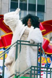 Diana Ross at 2018 Macy's Thanksgiving Day Parade in New York 2018/11/22 8