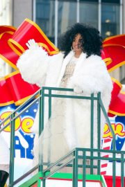 Diana Ross at 2018 Macy's Thanksgiving Day Parade in New York 2018/11/22 12
