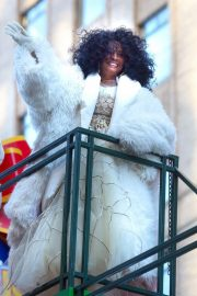 Diana Ross at 2018 Macy's Thanksgiving Day Parade in New York 2018/11/22 13