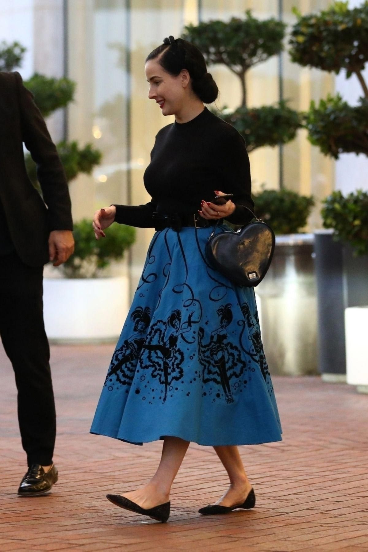 Dita Von Teese Shopping at Neiman Marcus in Beverly Hills 2018/11/24 1