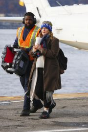Drew Barrymore at a Heliport in New York 2018/11/26 2