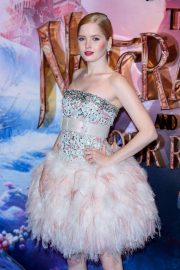 Ellie Bamber at The Nutcracker and the Four Realms Premiere in London 2018/11/01 4
