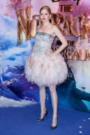 Ellie Bamber at The Nutcracker and the Four Realms Premiere in London 2018/11/01 5