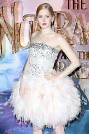 Ellie Bamber at The Nutcracker and the Four Realms Premiere in London 2018/11/01 7