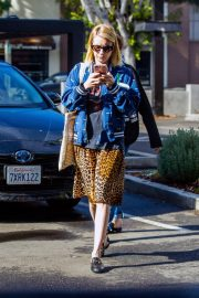 Emma Roberts Out in Los Angeles 2018/11/22 3