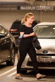 Francesca Eastwood Shopping at Trader Joe's in Los Angeles 2018/11/07 7