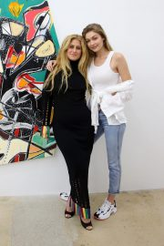 Gigi Hadid at An Art Gallery Opening in Miami 2018/11/24 6