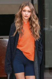 Gigi Hadid Leaves Her Apartment in New York 2018/11/07 2