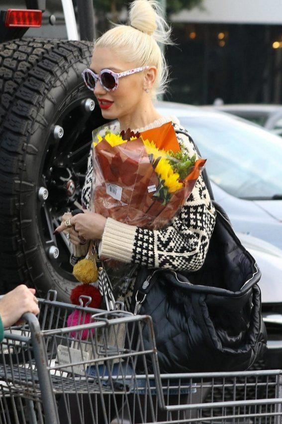 Gwen Stefani Out Shopping in Los Angeles 2018/11/18 1