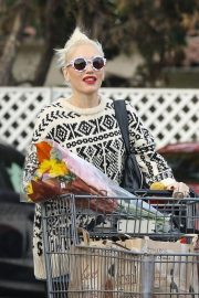 Gwen Stefani Out Shopping in Los Angeles 2018/11/18 3