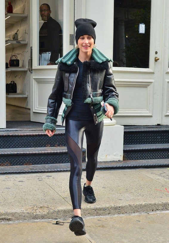 Hailey Baldwin Out in New York After Her Official Name Change 2018/11/17 1