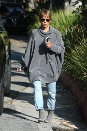 Halle Berry Out and About in Los Angeles 2018/11/24 2